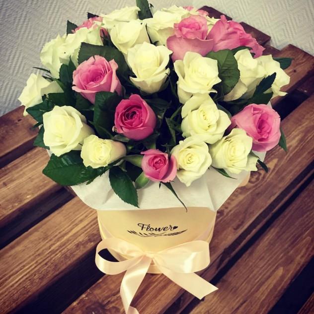 Коробка из 25 роз кения